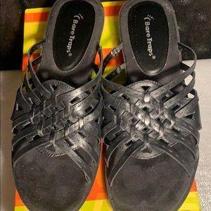 BareTraps Black Veravee sandals-total comfort